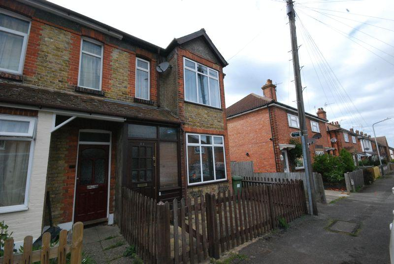 3 Bedrooms Semi Detached House for sale in Southwood Road, Rusthall