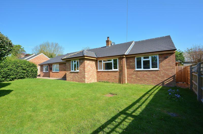 4 Bedrooms Detached Bungalow for sale in Elm Brook Close, Chearsley