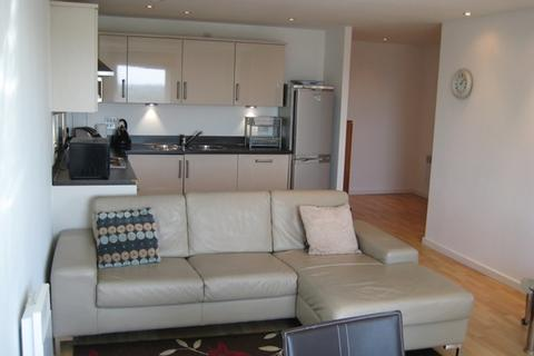 2 bedroom apartment to rent - MASSHOUSE 11TH FLOOR 2 DOUBLE BEDROOMS WITH TERRACE, PARKING AND STUDY AREA