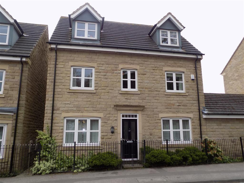 5 Bedrooms Detached House for sale in Plover Road, Lindley, Huddersfield, HD3
