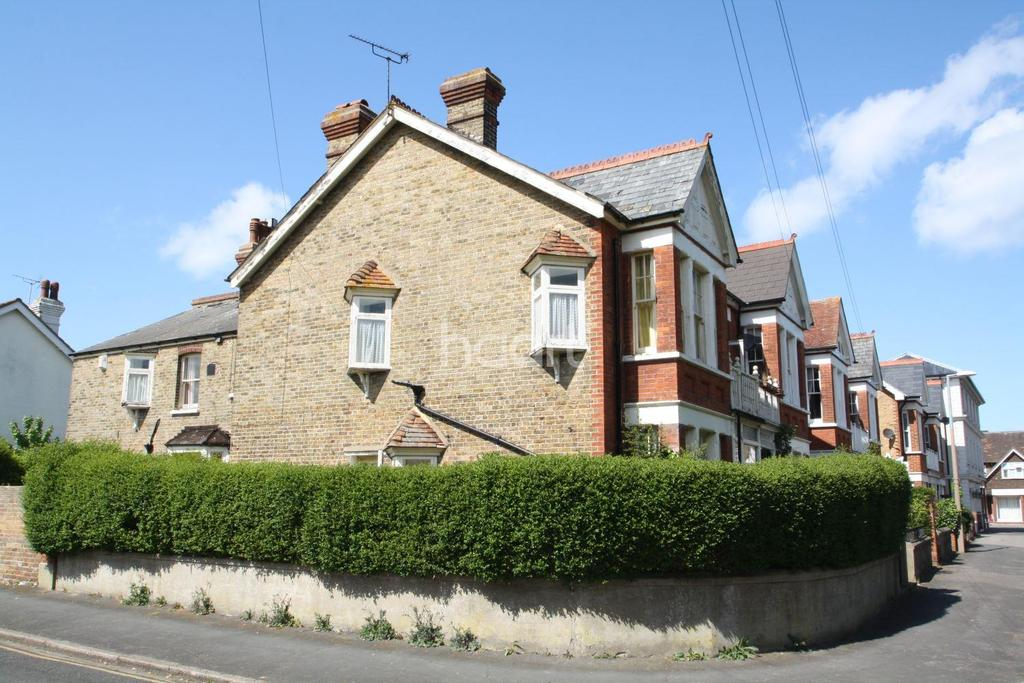 4 Bedrooms Semi Detached House for sale in Pierremont Avenue,Broadstairs,CT10