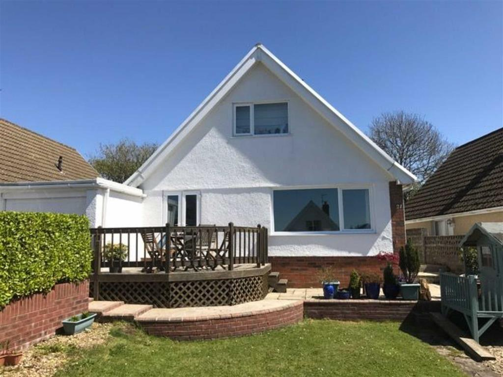 3 Bedrooms Detached Bungalow for sale in Highpool Lane, Newton, Swansea