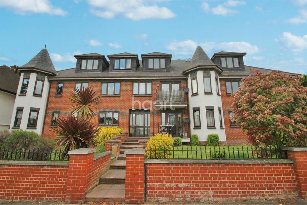 2 Bedrooms Flat for sale in Cossington Road