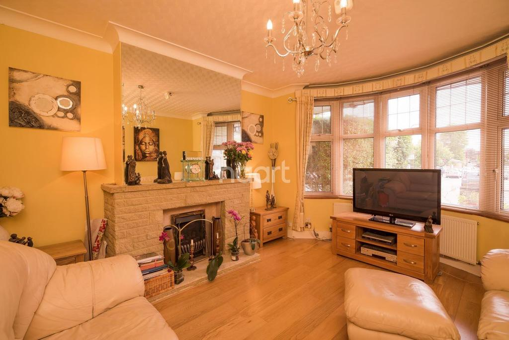 4 Bedrooms Semi Detached House for sale in Elmstead Avenue, Preston Road