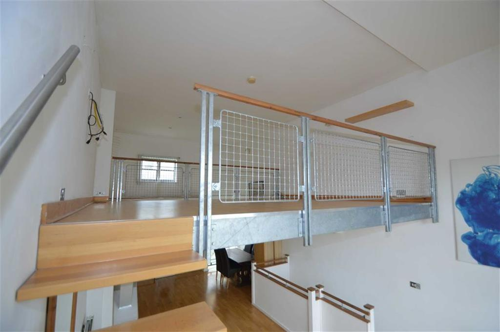 Little lofts rochford essex 2 bed apartment to rent 995 pcm 230 pw - Mezzanine toren ...