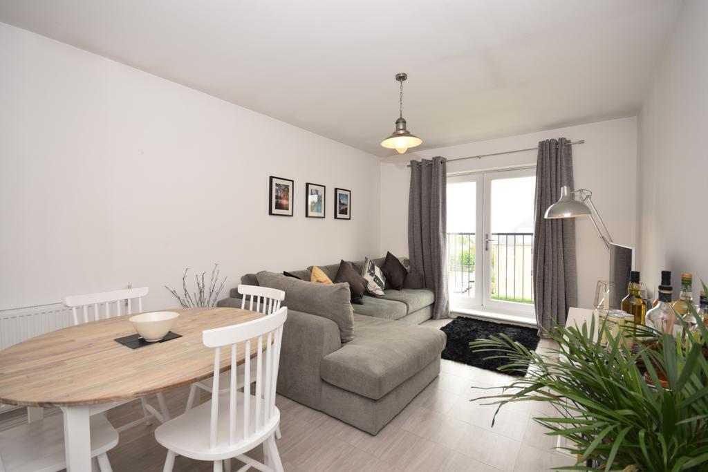 2 Bedrooms Flat for sale in Ravens Dene Chislehurst BR7