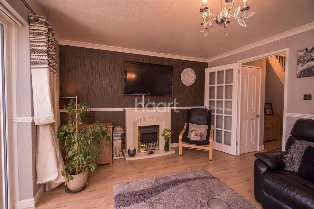 3 Bedrooms Terraced House for sale in Stainer Road, Borehamwood