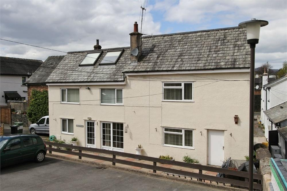 3 Bedrooms Semi Detached House for sale in Mews Cottage, Brundholme Mews, Keswick, Cumbria
