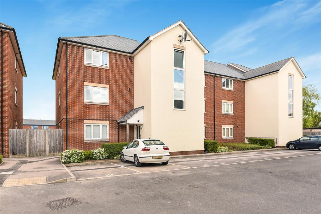 2 Bedrooms Apartment Flat for sale in Beresford Place, Temple Cowley