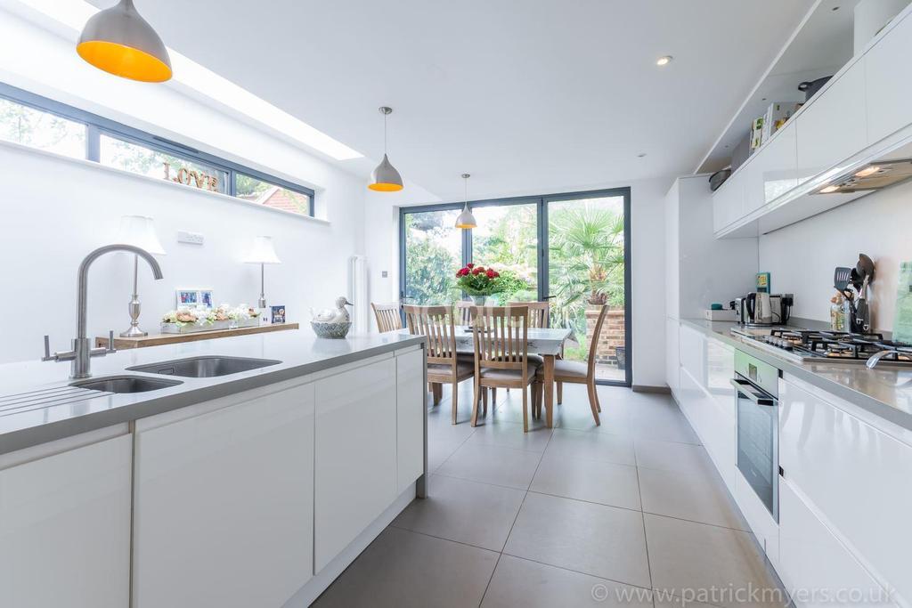 4 Bedrooms End Of Terrace House for sale in Cornflower Terrace, East Dulwich, London SE22