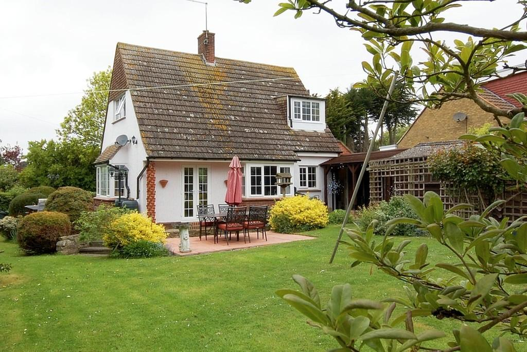 3 Bedrooms Chalet House for sale in Gorse Lane, Herne Bay