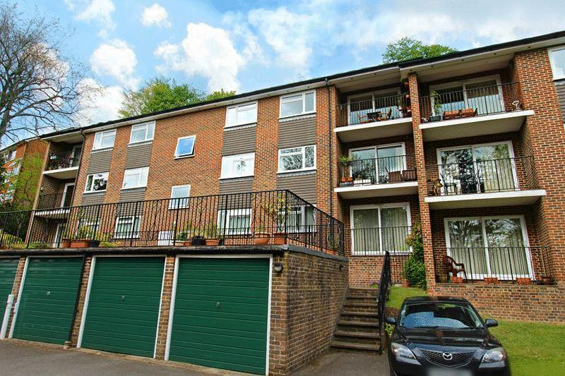 2 Bedrooms Apartment Flat for sale in Church Hill, Caterham