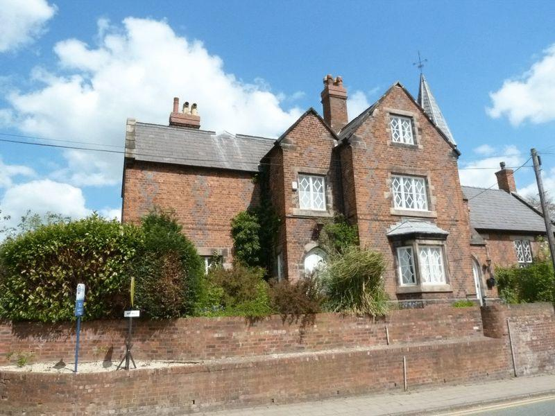 3 Bedrooms Apartment Flat for sale in Headmaster's House, Welsh Row, Nantwich