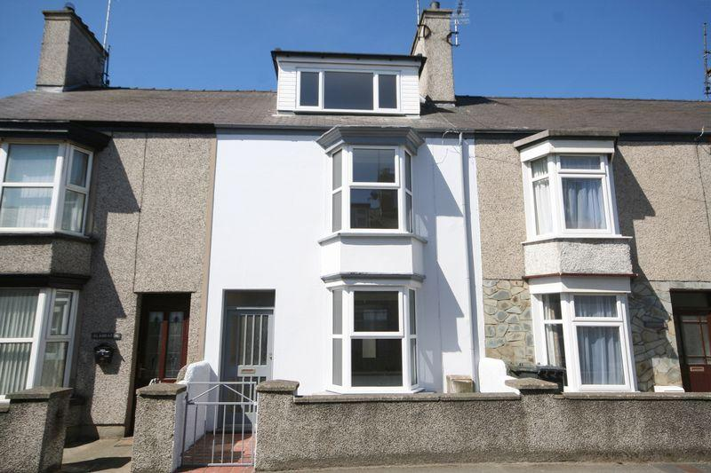 3 Bedrooms Terraced House for sale in Porthdafarch Road, Holyhead, Anglesey