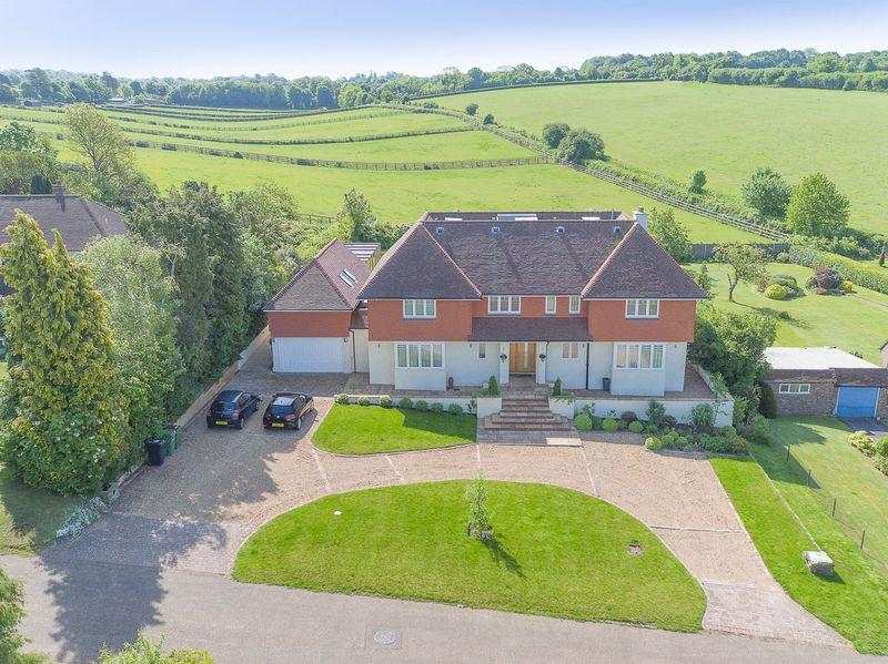 6 Bedrooms Detached House for sale in Ralliwood Road, Ashtead