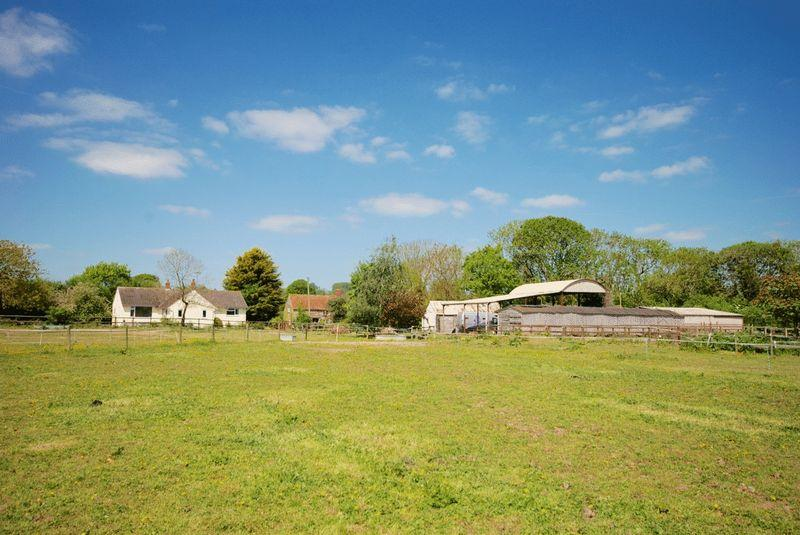 5 Bedrooms Equestrian Facility Character Property for sale in EAST PENNARD, Between Castle Cary Glastonbury