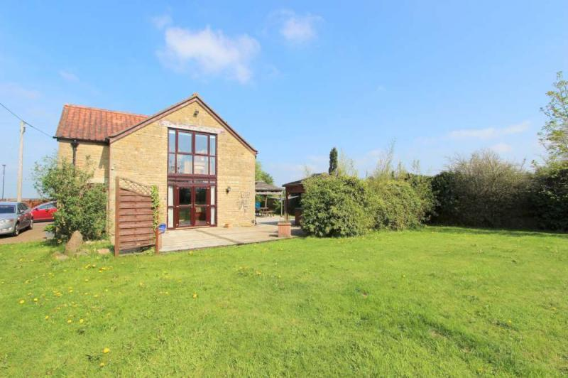 4 Bedrooms Detached House for sale in Lansdown View, Lansdown
