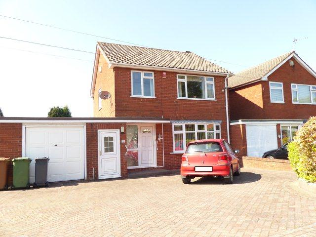 3 Bedrooms Detached House for sale in Friezland Lane,Brownhills,Walsall