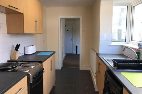 4 bedroom property to rent - Ripon Street, LINCOLN LN5