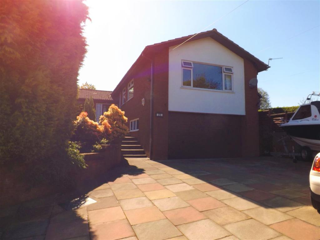 3 Bedrooms Detached House for sale in Moss Bank Road, St. Helens
