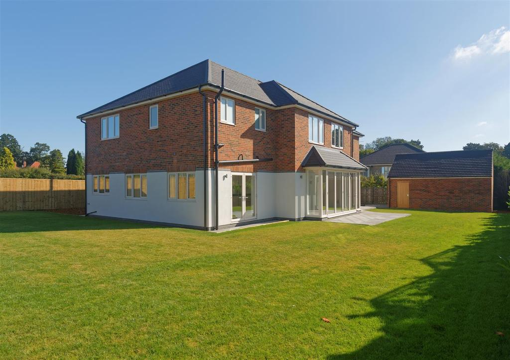 4 Bedrooms Detached House for sale in Merchants Drive, Harland Way ,Cottingham