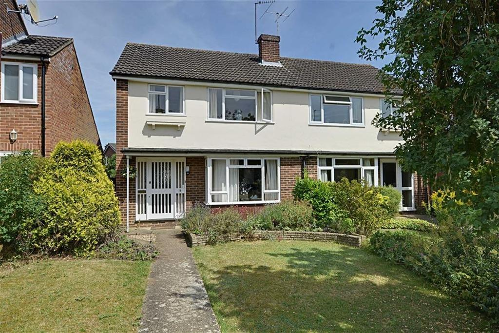 3 Bedrooms Semi Detached House for sale in Woodhall Close, Bengeo, Herts, SG14