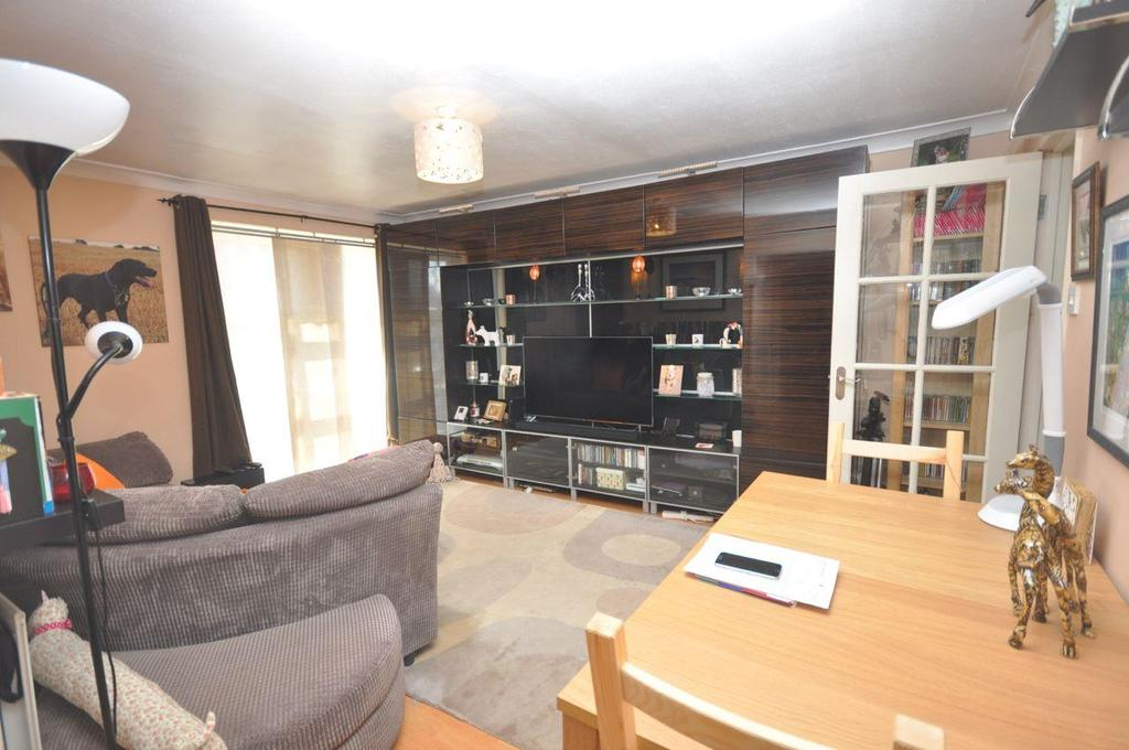 2 Bedrooms Apartment Flat for sale in Marbury Close, Moorside, Sunderland