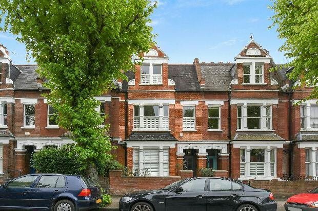 3 Bedrooms Flat for sale in GLADSMUIR ROAD Whitehall Park N19 3JX