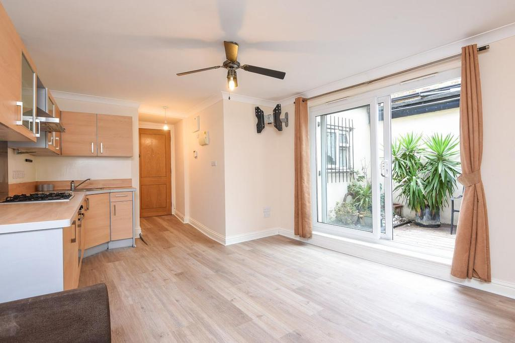 2 Bedrooms Flat for sale in Park Road, Kingston upon Thames