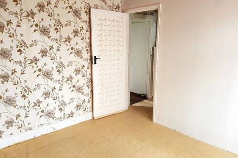 3 bedroom flat to rent - Little Ilford