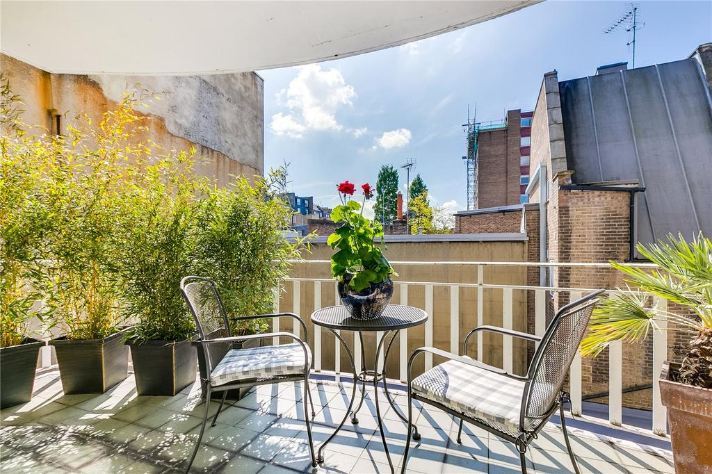 3 Bedrooms Flat for sale in Whaddon House, William Mews, London