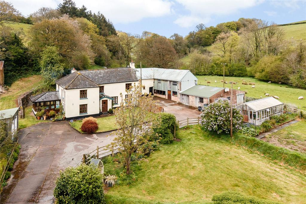 4 Bedrooms Detached House for sale in Woolfardisworthy, Crediton, Devon