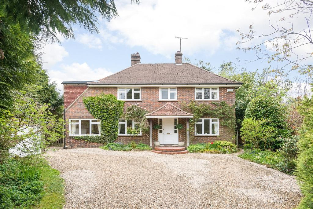 4 Bedrooms Detached House for sale in Snipe Road, Haslemere, Surrey