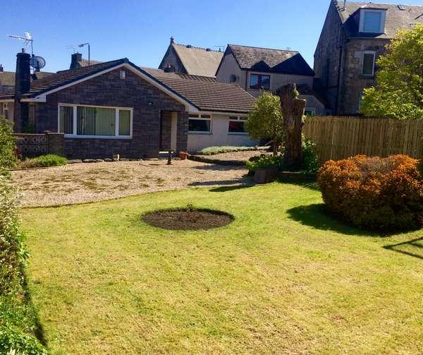 4 Bedrooms Detached Bungalow for sale in 22 School Wynd, Kilbirnie, KA25 7AY