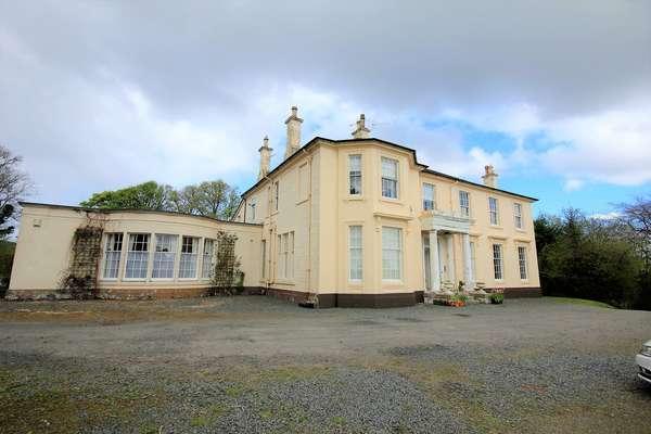 2 Bedrooms Flat for sale in Flat 2, Ryefield House, Dalry, KA24 5JG