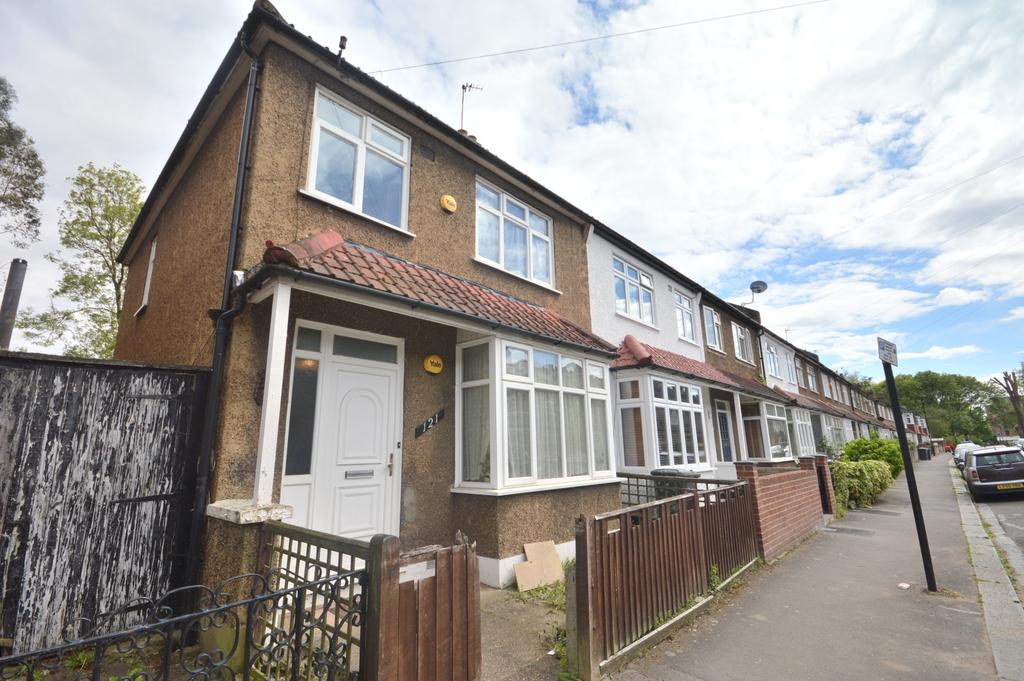 3 Bedrooms Terraced House for sale in Malyons Road London SE13