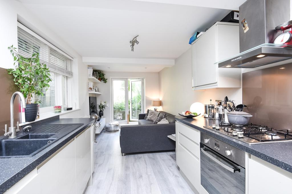 2 Bedrooms Flat for sale in Craster Road Brixton SW2