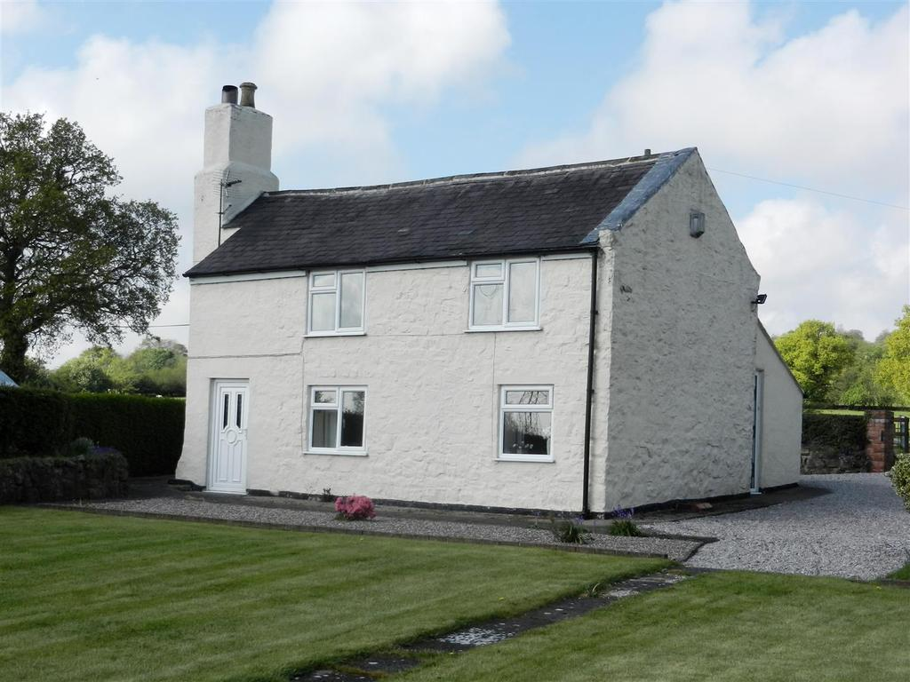 2 Bedrooms Detached House for sale in Aberoer, Wrexham