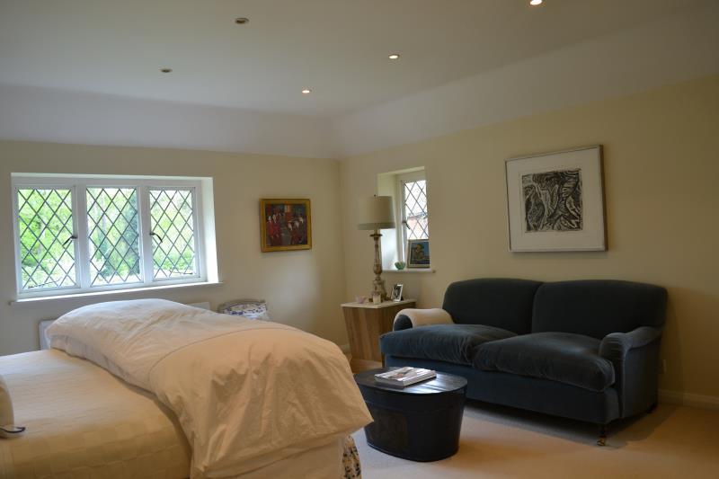 Weybridge Bed And Breakfast