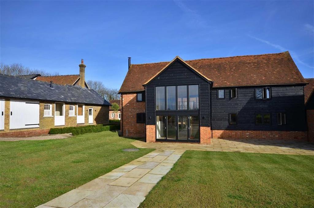 4 Bedrooms Semi Detached House for sale in The Barns, Chorleywood, Hertfordshire