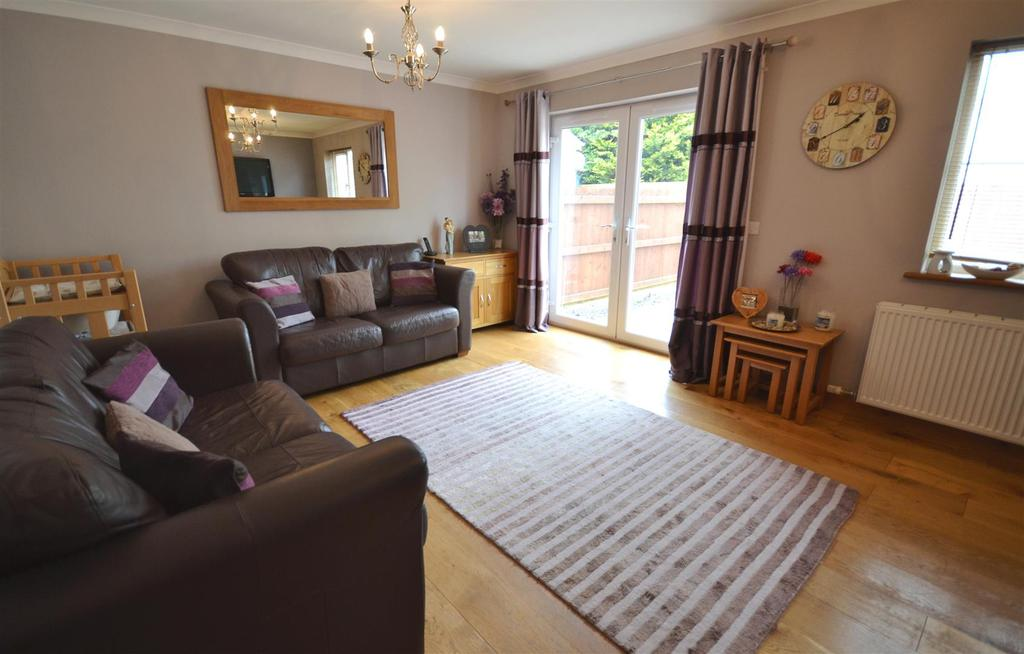 3 Bedrooms Terraced House for sale in Hook