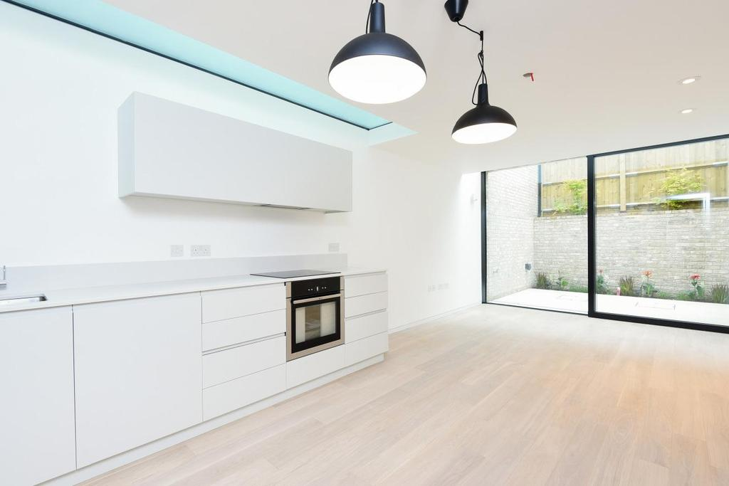 1 Bedroom Town House for sale in Fortis Green Avenue, Fortis Green