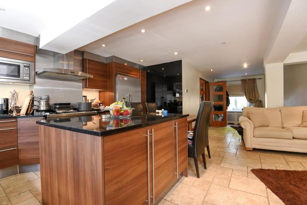 3 Bedrooms Terraced House for sale in Greenacre Square, Surrey Quays, SE16