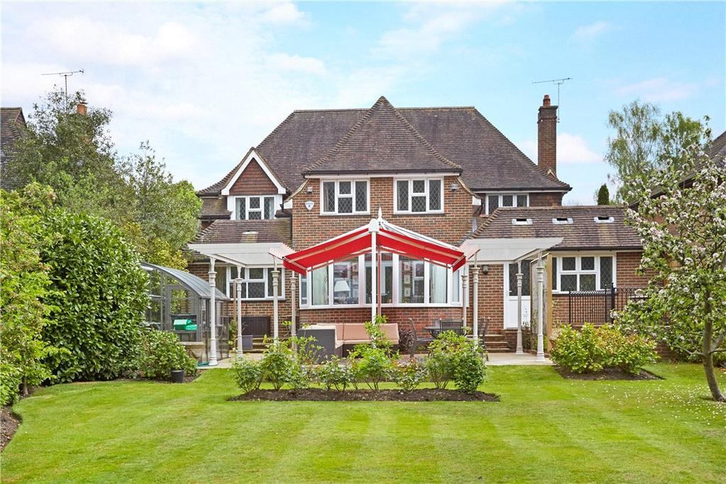 4 Bedrooms Detached House for sale in The Highlands, East Horsley, Leatherhead, Surrey, KT24