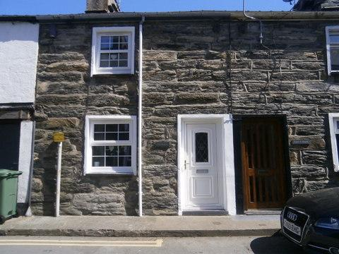 3 Bedrooms Unique Property for sale in Isgraig, High Street, Talsarnau LL47