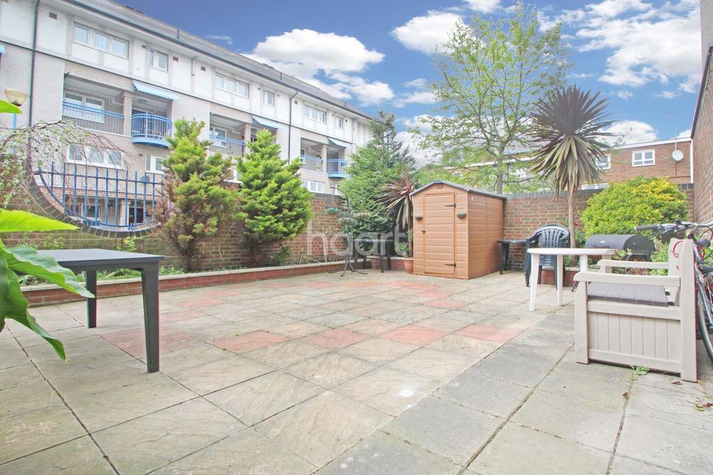 3 Bedrooms Maisonette Flat for sale in Gillman Drive, Stratford, London, E15