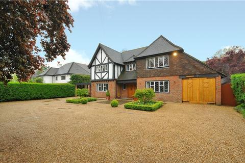 5 bedroom detached house to rent - Shoppenhangers Road, Maidenhead, Berkshire, SL6