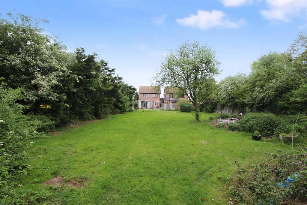 4 Bedrooms Detached House for sale in Lower Road, Hullbridge