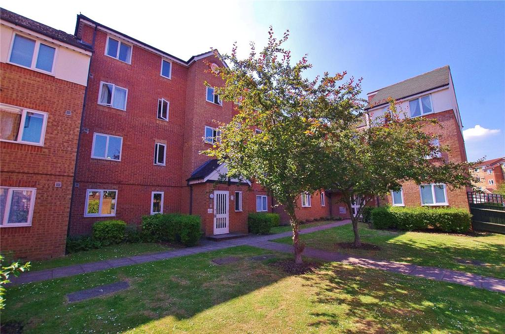 2 Bedrooms Apartment Flat for sale in Shetland House, Pioneer Way, Watford, Hertfordshire, WD18