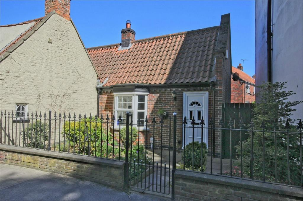 1 Bedroom Cottage House for sale in Beck Bank, Cottingham, East Riding of Yorkshire